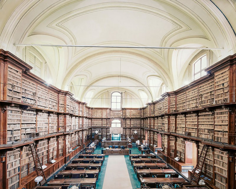 collection-worlds-most-beautiful-majestitc-libraries-photo-series (2)