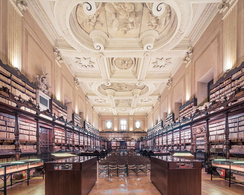 collection-worlds-most-beautiful-majestitc-libraries-photo-series (4)