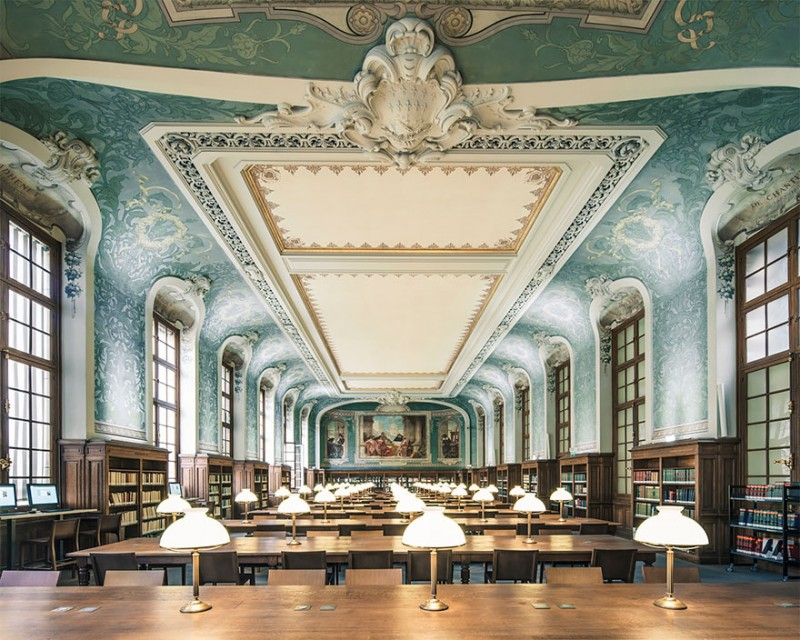 collection-worlds-most-beautiful-majestitc-libraries-photo-series (7)