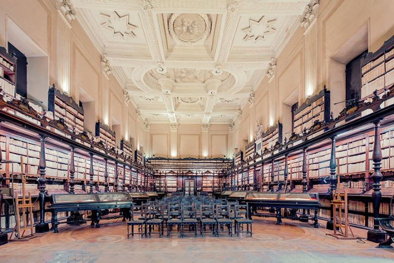 collection-worlds-most-beautiful-majestitc-libraries-photo-series (8)