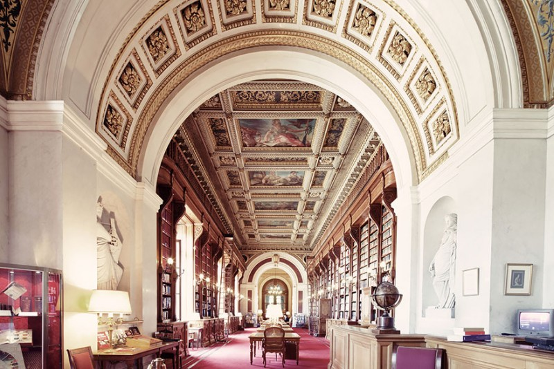 collection-worlds-most-beautiful-majestitc-libraries-photo-series (9)