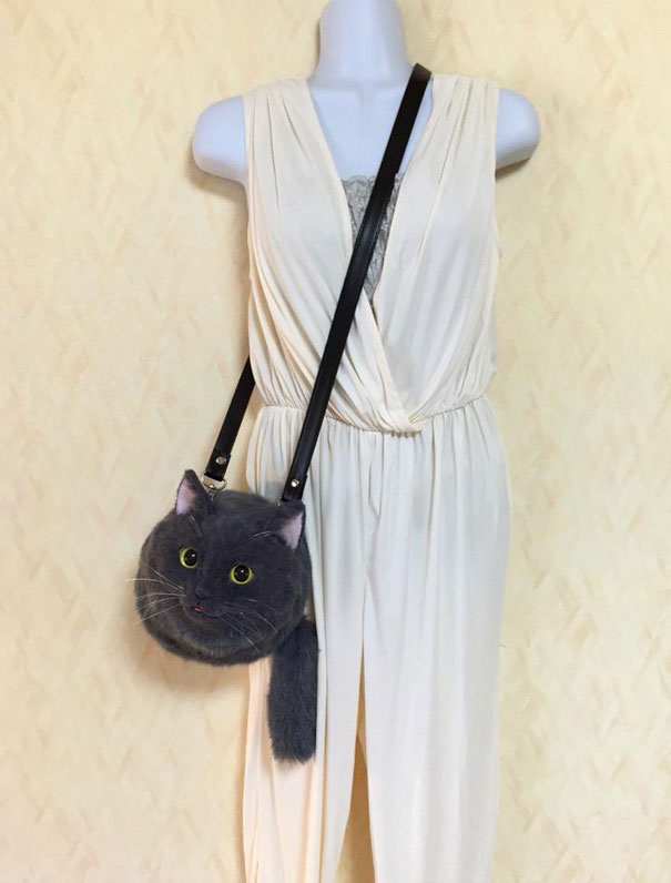 cute-funny-realistic-cat-hand-bags (9)
