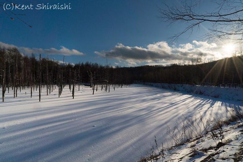 stunning-beautiful-Blue-Pond-snow-japan (11)