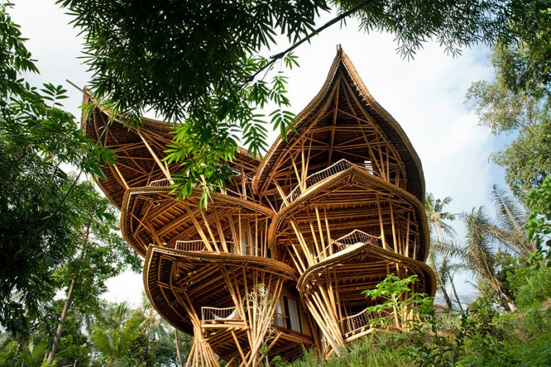 beautiful-Sustainable-house-bamboo-structures (8)