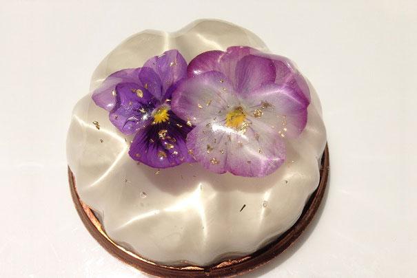 beautiful-cream-flower-bavarois-dessert-japan