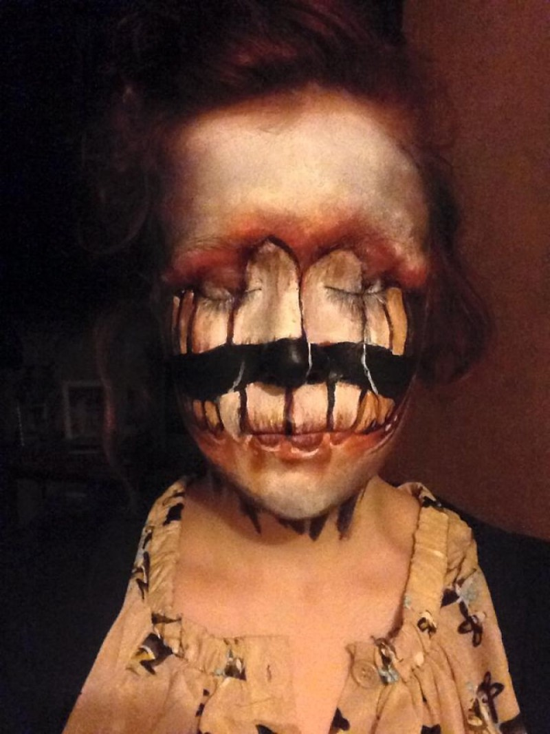 terrible-scared-halloween-face-painting-makeup (2)