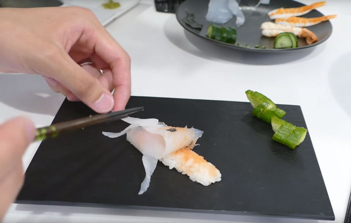amazing-cooking-art-skill-koi-sushi-steps (8)