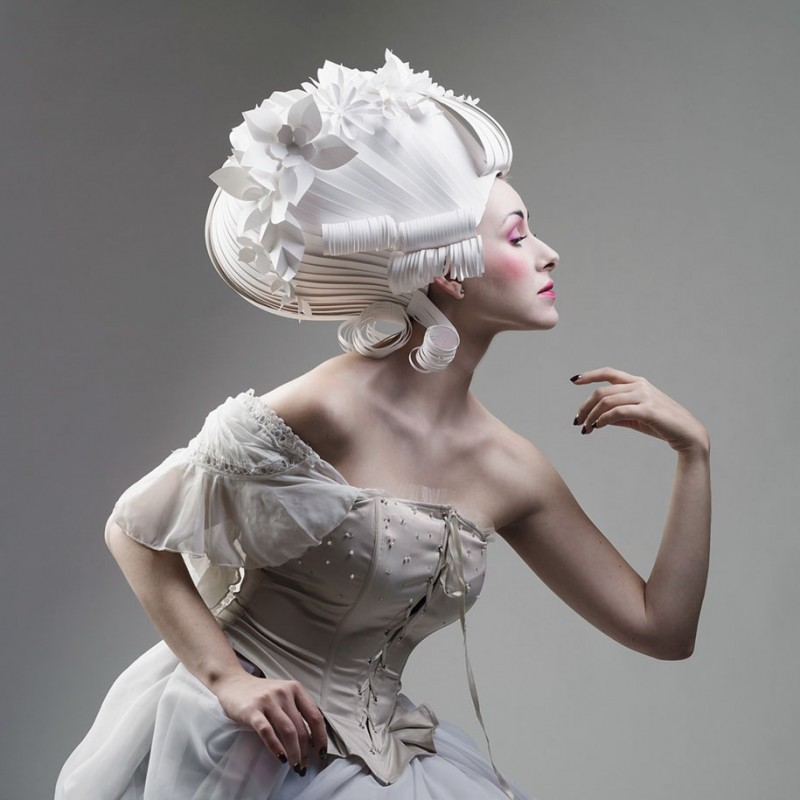 beautiful-classic-baroque-wigs-hairstyle-crafted-made-paper (3)