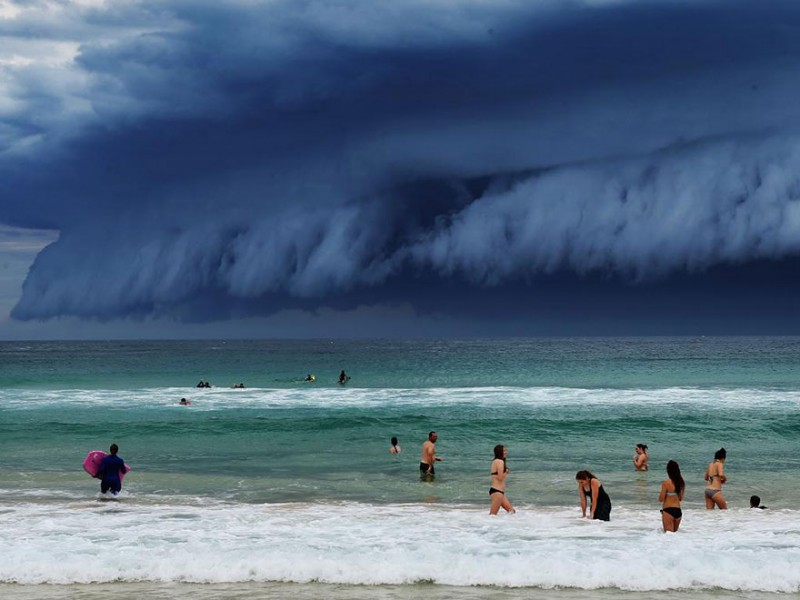 cool-massive-apocalypic-shelf-cloudsi-sydney-australia (4)