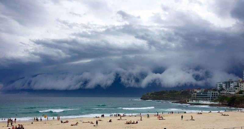 cool-massive-apocalypic-shelf-cloudsi-sydney-australia (5)