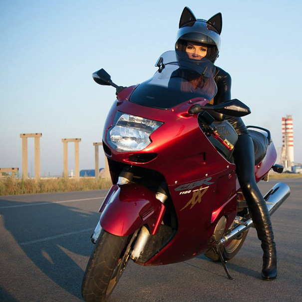 cute-cat-ear-motorcycle-helmets-designs (8)
