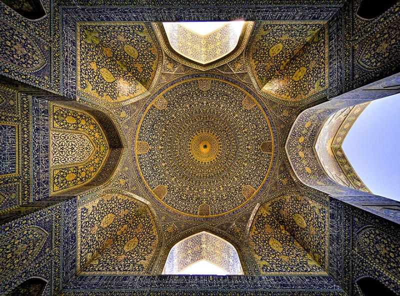 intricate-beautiful-design-inside-Iran-magnificent-temples-Interiors (12)
