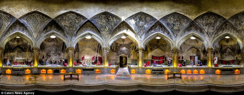 intricate-beautiful-design-inside-Iran-magnificent-temples-Interiors (2)