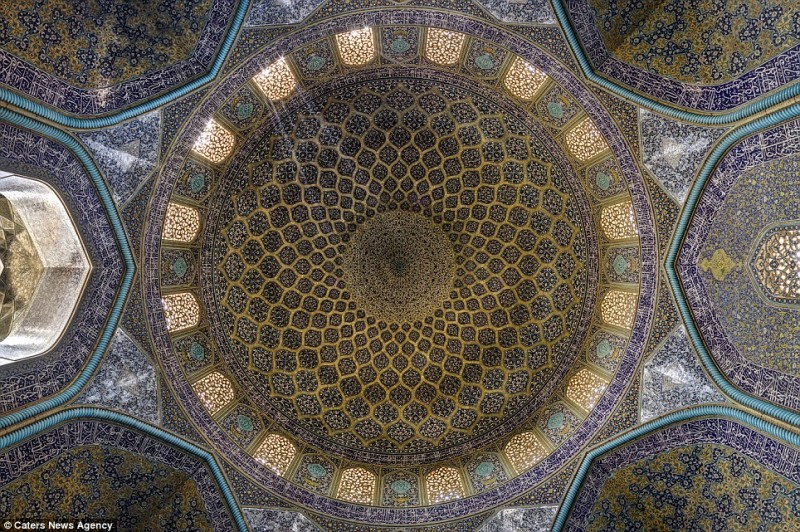 intricate-beautiful-design-inside-Iran-magnificent-temples-Interiors (5)