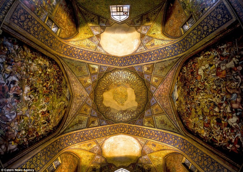 intricate-beautiful-design-inside-Iran-magnificent-temples-Interiors (7)