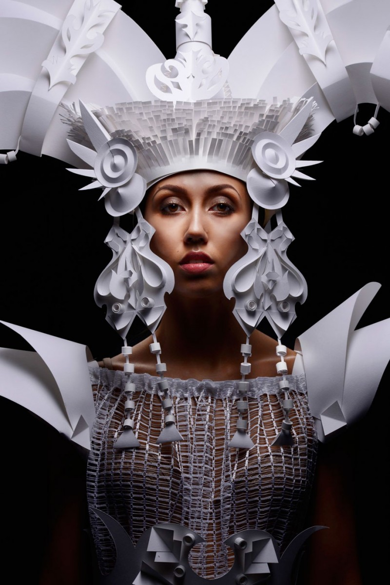 intricated-Mongolian-wedding-costumes-paper-art (1)