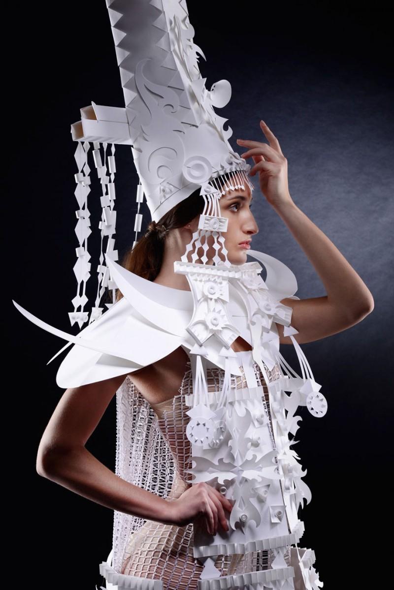 intricated-Mongolian-wedding-costumes-paper-art (3)