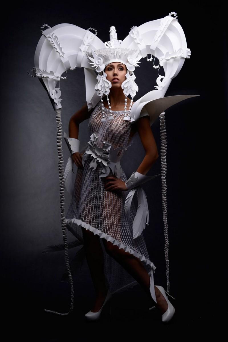 intricated-Mongolian-wedding-costumes-paper-art (4)