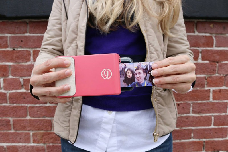 polaroid-like-phone-gadget-case-instant-print-pictures-device (1)