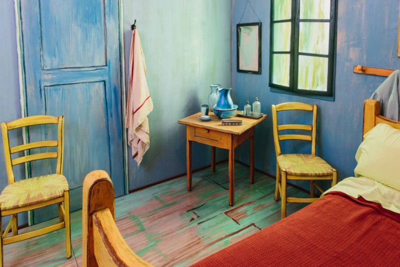 van-gogh-bedroom-painting-resemble-home-art-institute-chicago (1)