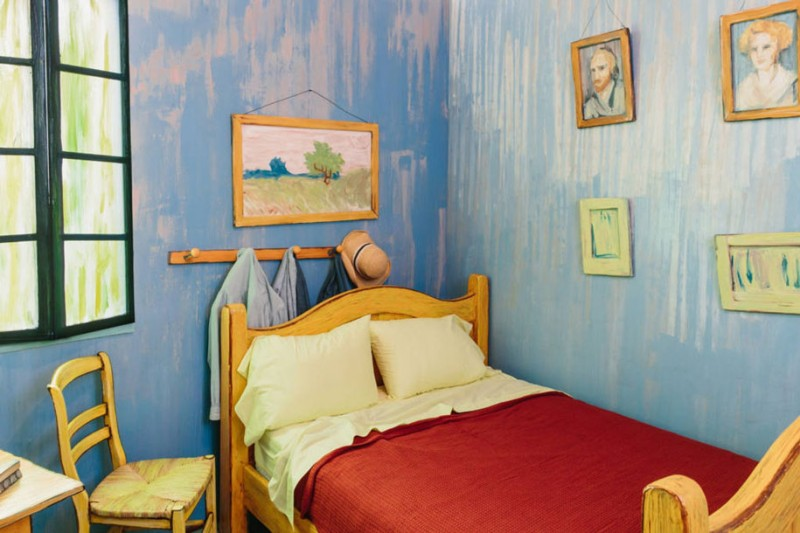 van-gogh-bedroom-painting-resemble-home-art-institute-chicago (5)
