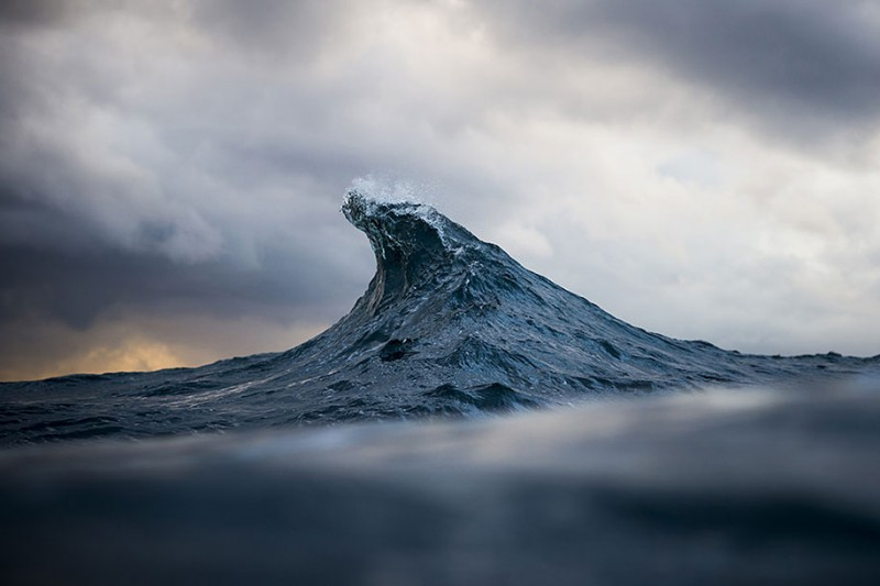 amazing-beautiful-sea-photography-mountain-waves-picutres (11)