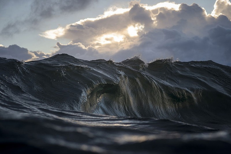 amazing-beautiful-sea-photography-mountain-waves-picutres (3)