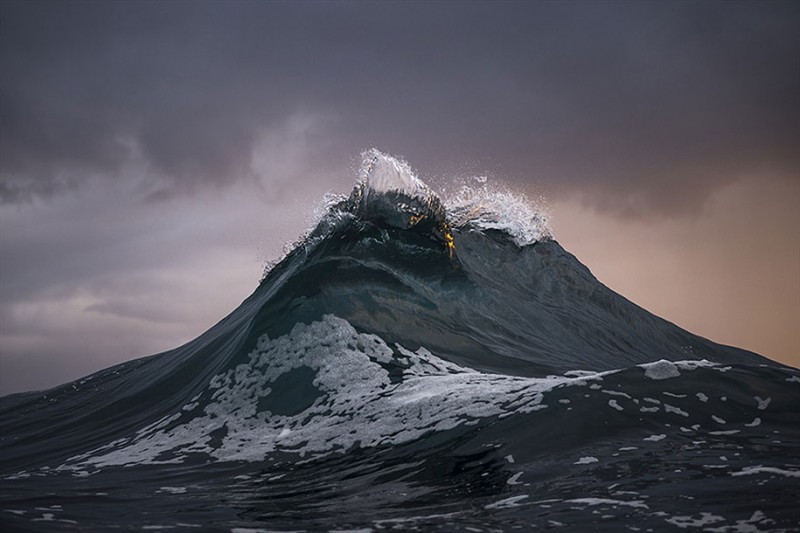 amazing-beautiful-sea-photography-mountain-waves-picutres (6)