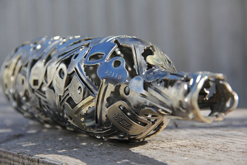 beautiful-artistic-sculptures-made-from-discarded-key-coin (4)
