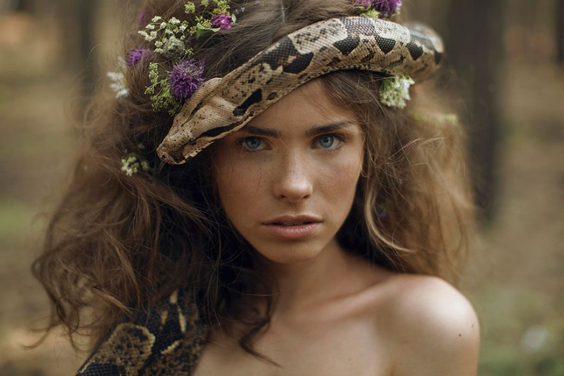 beautiful-fairytale-scenes-young-women-animals-portraits (14)