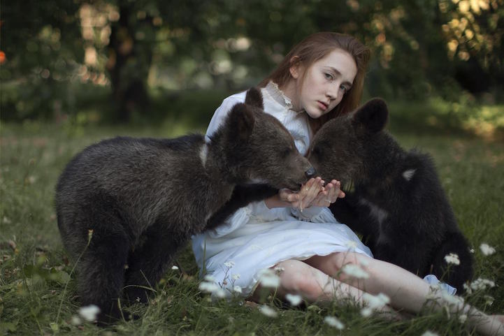 beautiful-fairytale-scenes-young-women-animals-portraits (9)