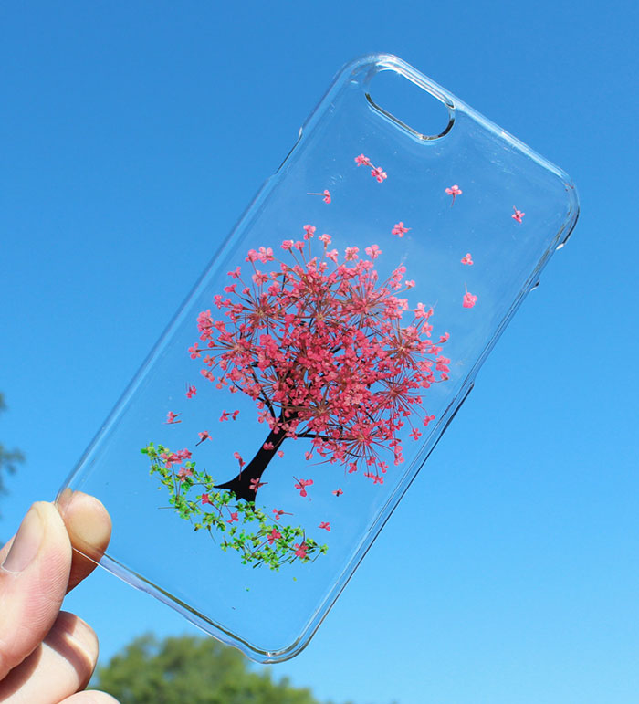 beautiful-phone-cases-with-real-flowers-inside-designs (1)