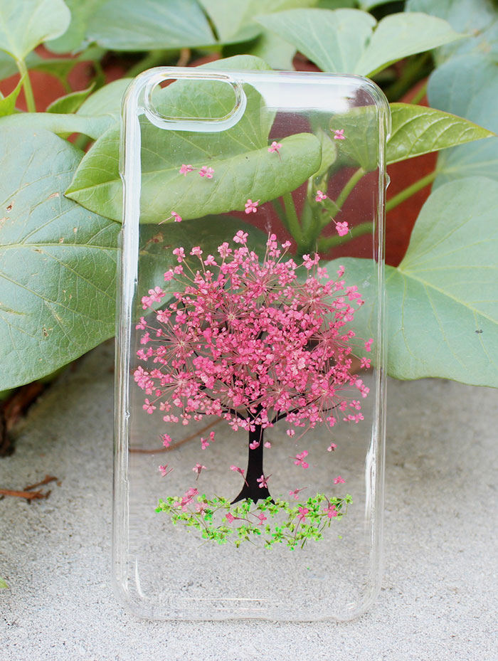 beautiful-phone-cases-with-real-flowers-inside-designs (10)