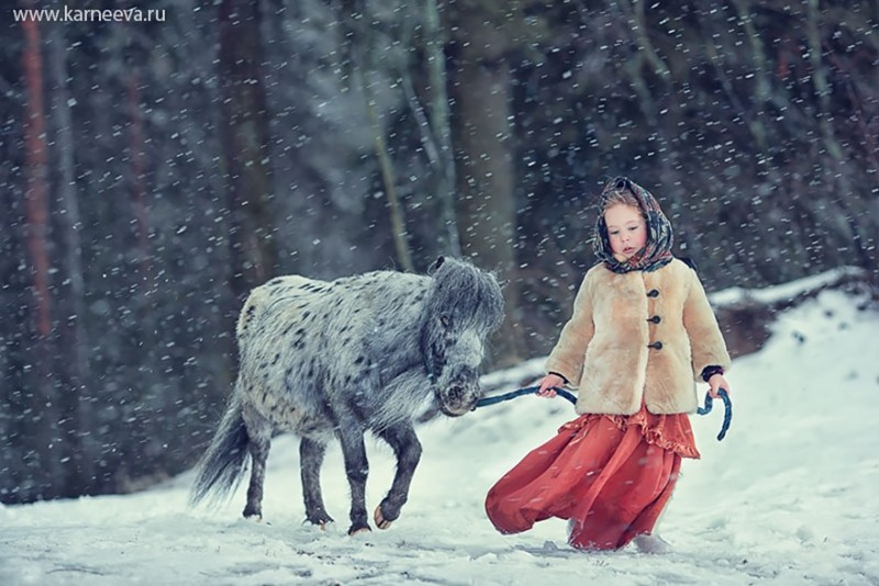 beautiful-winter-field-children-animal-playing-photographs (1)