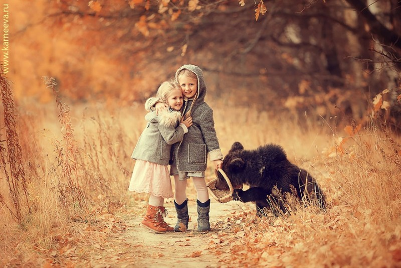 beautiful-winter-field-children-animal-playing-photographs (11)