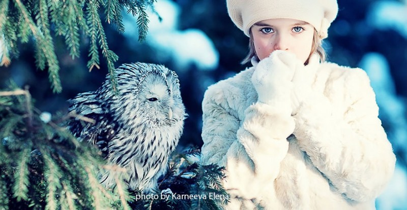 beautiful-winter-field-children-animal-playing-photographs (8)