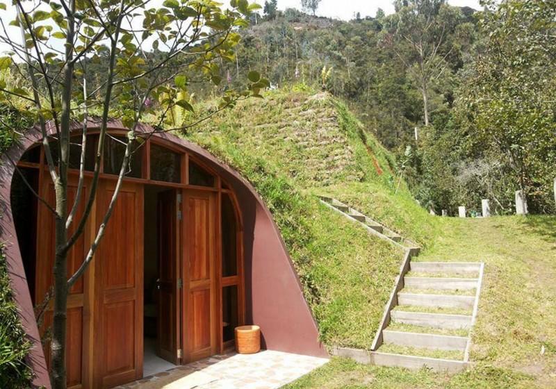 eco-friendly-hobbit-holes-houses-green-homes-design (3)