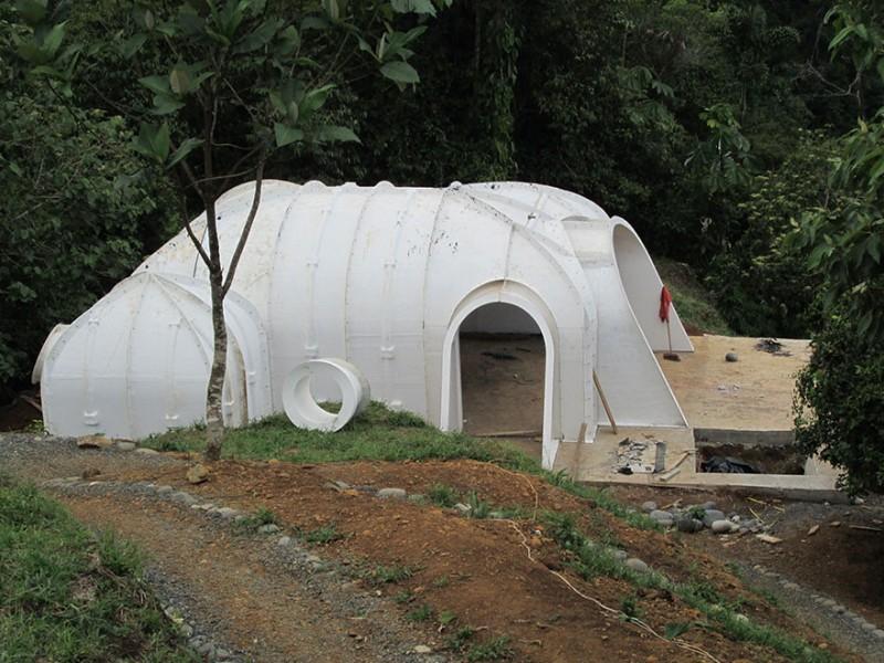 eco-friendly-hobbit-holes-houses-green-homes-design (4)