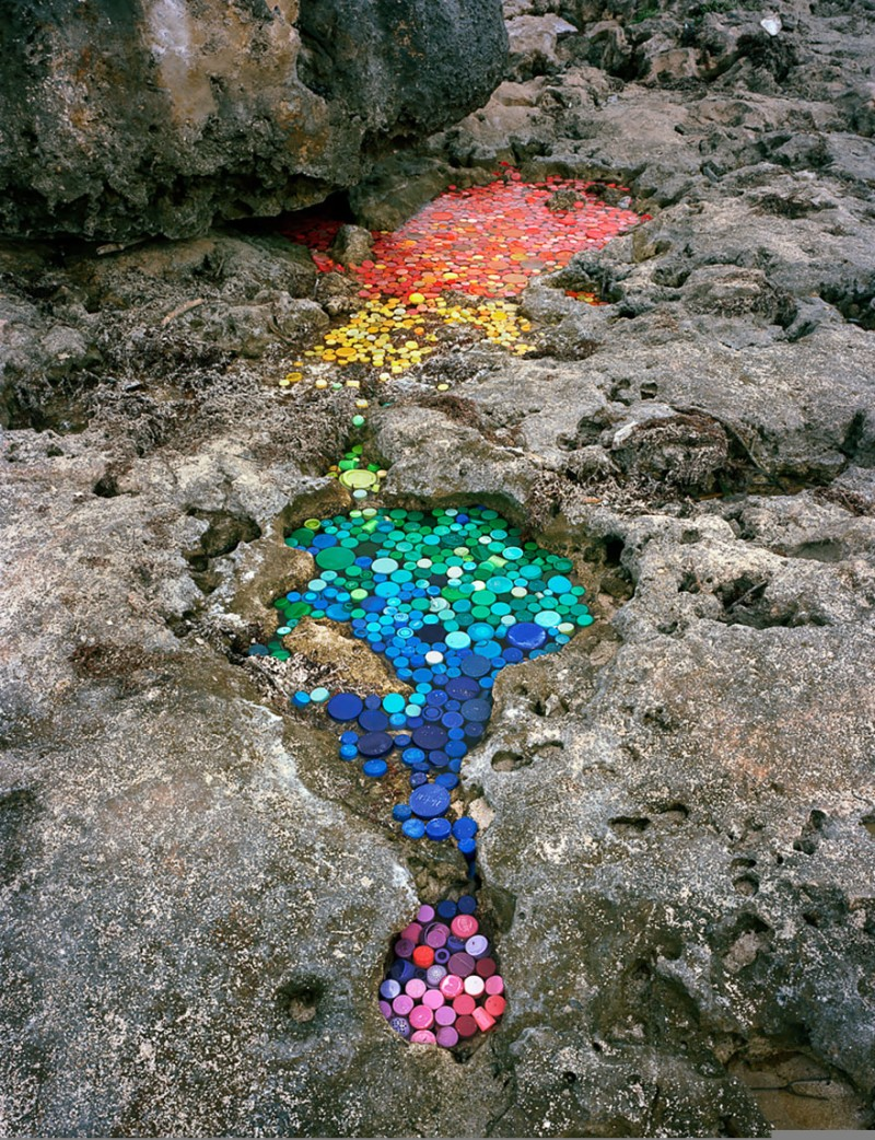 sea-pollution-washed-up-trash-art-installations (2)