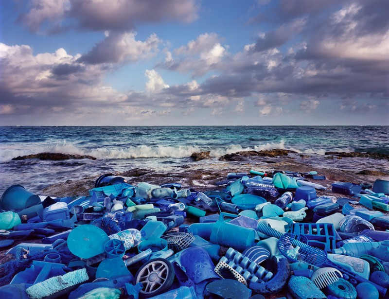 sea-pollution-washed-up-trash-art-installations (7)
