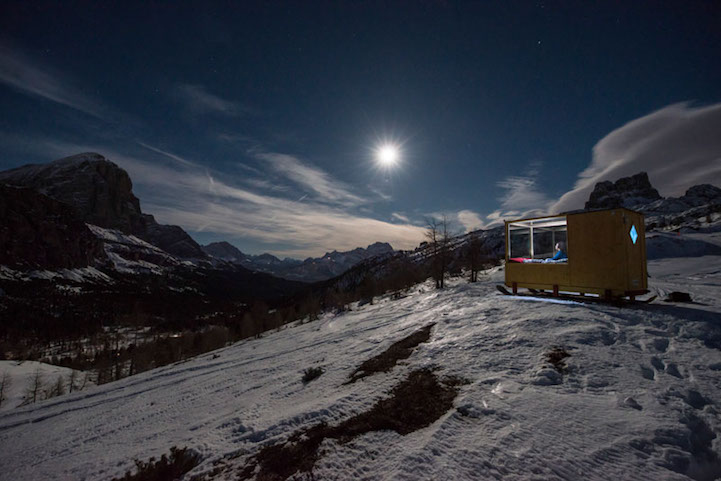 sleeping-under-stars-glass-cabin-impressive-travel-accommodation (1)