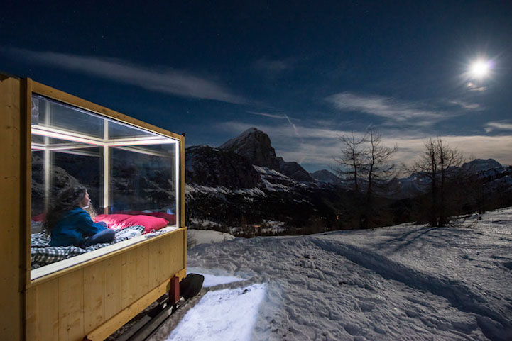 sleeping-under-stars-glass-cabin-impressive-travel-accommodation (4)
