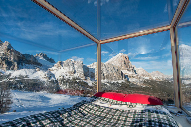 sleeping-under-stars-glass-cabin-impressive-travel-accommodation (6)