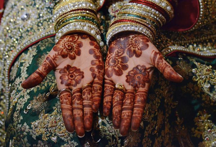 Stunning-gorgeous-henna-tattoos-beautiful-mehndi-patterns (7)