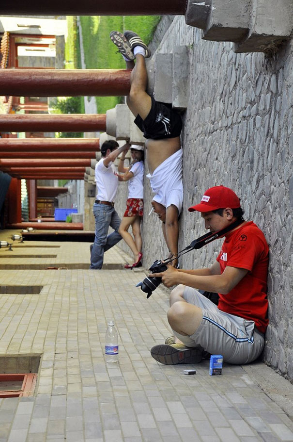 funny-creative-clever-angles-photography-pictures (9)