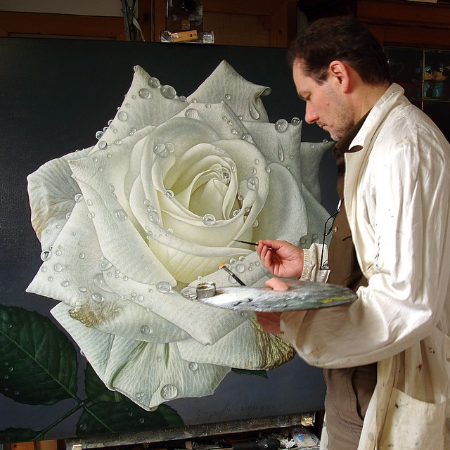 hyperrealism-art-Giant-Paintings-of-Roses-Dewdrops (10)