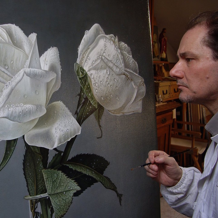 hyperrealism-art-Giant-Paintings-of-Roses-Dewdrops (12)