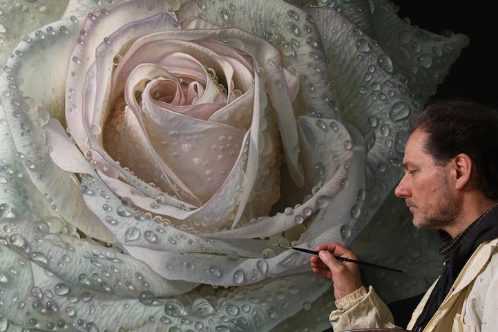 hyperrealism-art-Giant-Paintings-of-Roses-Dewdrops (5)