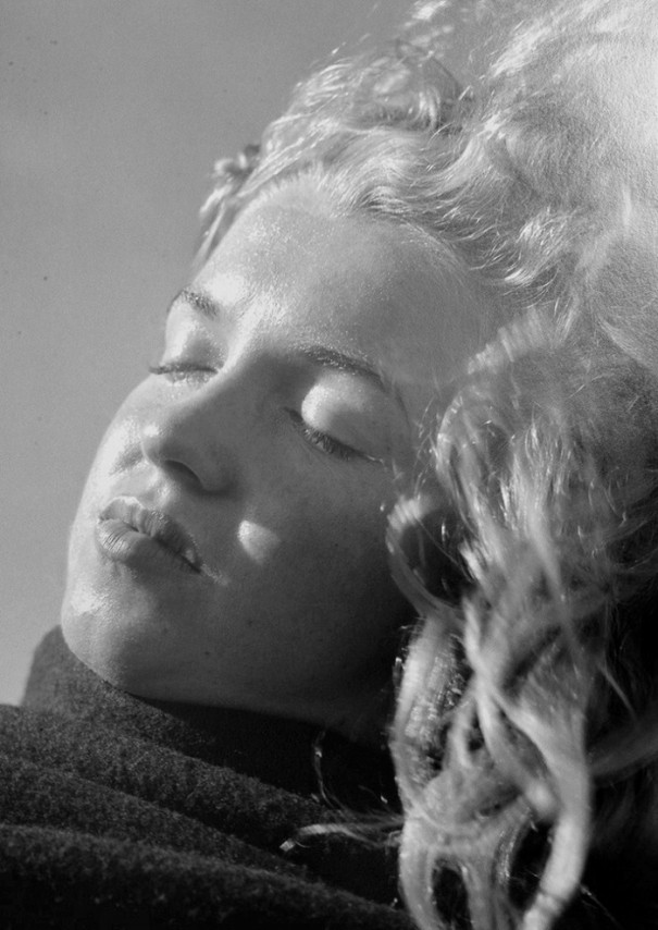 old-photos-young-Marilyn-Monroe-20-year-old (6)