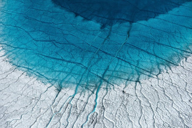 spectacular-Aerial-Views-of-Greenland-ice-sheet-photographs (10)